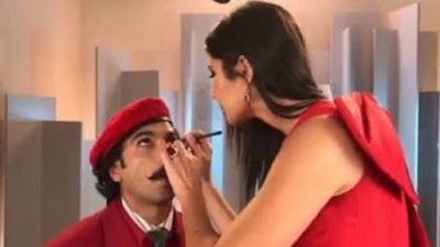 Katrina Kaif Apply Kajal To Ranveer Singh Eyes Watch Full Video