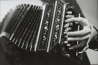 http://www.melografias.com.ar/2015/07/curso-el-tango-musica-de-tres-siglos.html