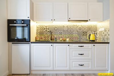 Dapur Minimalis Anda Dengan Nuansa Hitam Putih
