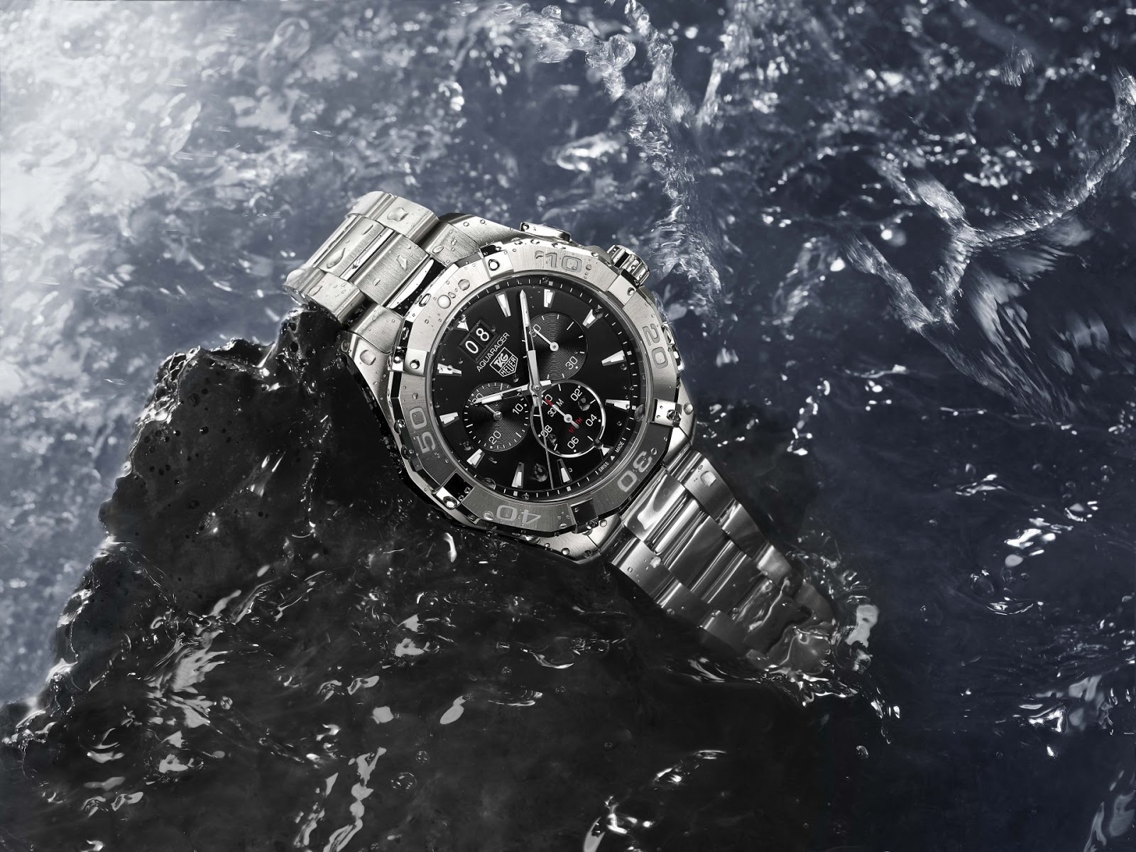 057bb6406eb TAG Heuer – New 2015 AQUARACER 300M Ceramic bezel (41   43 mm) – Official  Watch of the World Surf League   Big Wave Tour