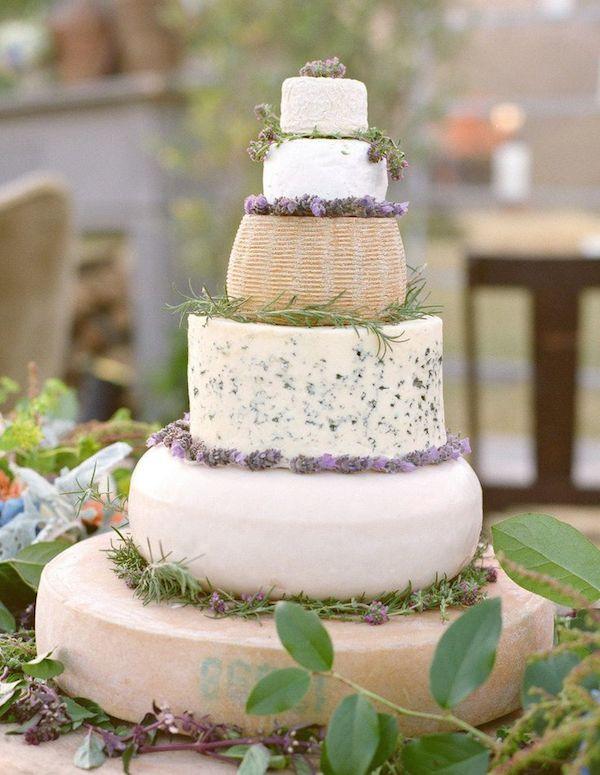 Tort serowy, tort weselny z serów, Inne pomysły na tort weselny, alternatywa dla tortu weselnego, Tort weselny, przyjęcie weselne, wesele, słodki stół', słodkości na weselu, organizacja wesela, dekoracja stołu słodkiego, Inspiracje ślubne