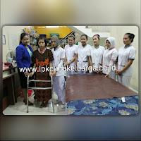 penyalur penyedia perawat lansia orang tua jompo