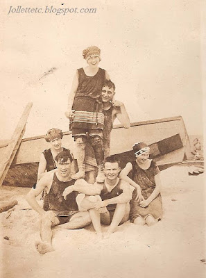 Beach friends of Helen Killeen Parker about 1919 https://jollettetc.blogspot.com