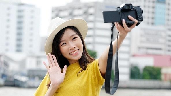 Cara Selfie yang Bagus Dengan Kamera Depan