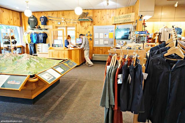 Tienda del Pinkham Notch Visitor Center (AMC), Appalachian Mountain Club