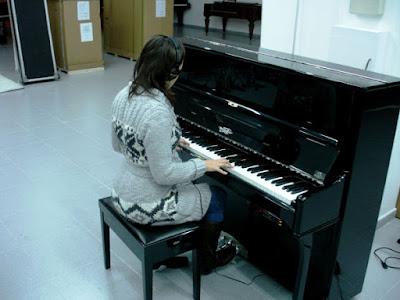 Giữ hạnh phúc gia đình bằng tiếng đàn piano, tại sao không