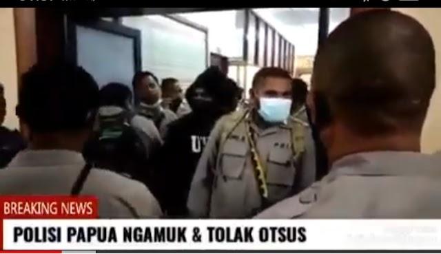 MERASA TIDAK LULUS SELEKSI SEKOLAH INSPEKTUR, PULUHAN ANGGOTA POLISI ASLI PAPUA LAKUKAN PROTES DI POLDA PAPUA