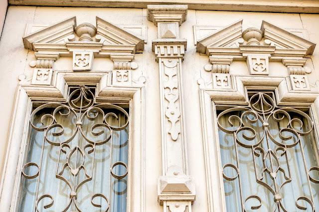Detalhes das portas da Casa Hoffmann