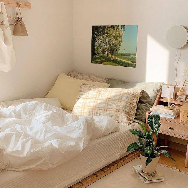 Dekorasi Kamar Tidur Sederhana dengan Warna Cat Cerah