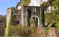 The Mote, or Moat's Bulwark artillery battery has a semi-circular lower level or gun platform and an upper level terrace containing the West Gatehouse or Guardroon ruins. Built by King Henry VIII in 1539, one of his 'little forts'. Re-developed during the Napoleonic Wars.