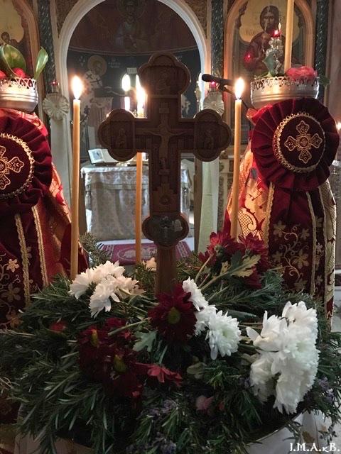 ИПЦ Греции: Божественная литургия в Кератеа в Неделю Крестопоклонную. ФОТО