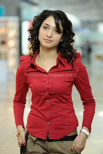Thamanna hot show in red dress