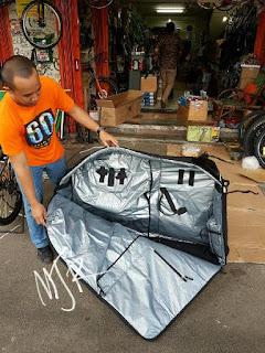 Tas Sepeda Nautilus for Mtb atau Roadbike Semi Hardcase dalamnya