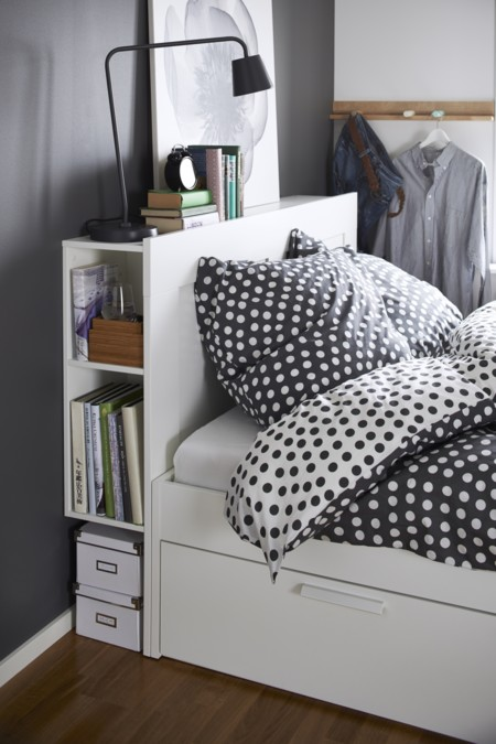 tete de lit t te de lit avec palette en bois id e r cup ne jetez plus vos palettes. Black Bedroom Furniture Sets. Home Design Ideas