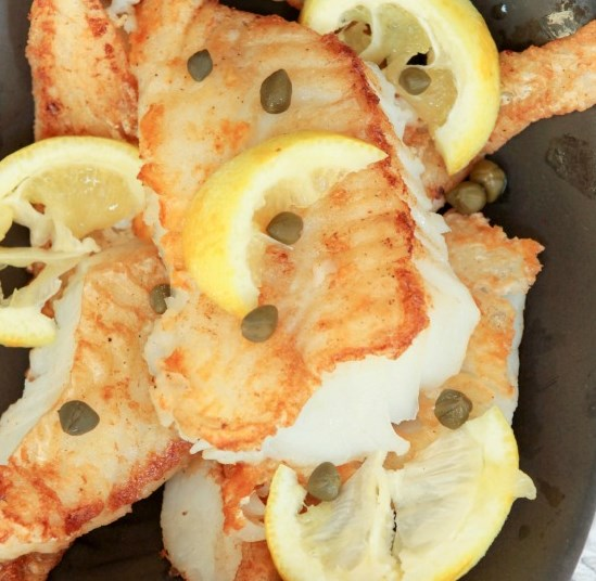 CRISPY COD WITH LEMON BUTTER WHITE WINE SAUCE #dinner #healthydinner