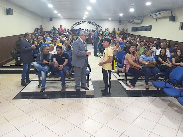 Câmara realiza sessão solene para entrega de Títulos de cidadania e Moções de aplausos