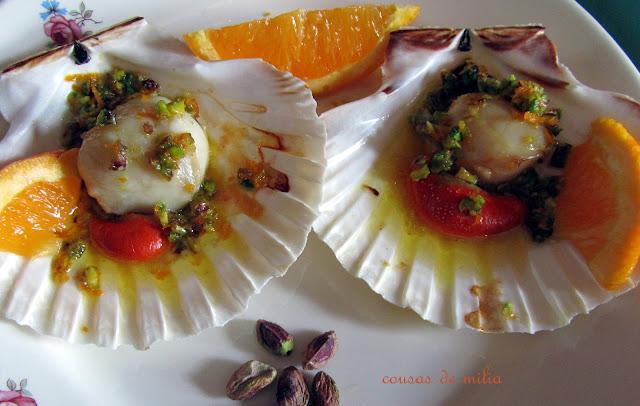 Vieiras con naranjas y pistachos