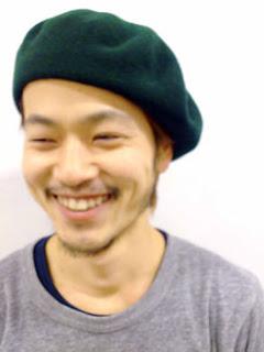 緑色のベレー帽
