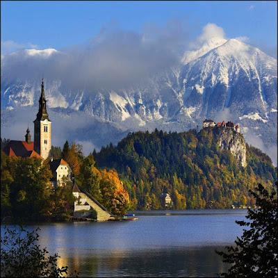 Santuário e castelo de Bled na Eslovênia