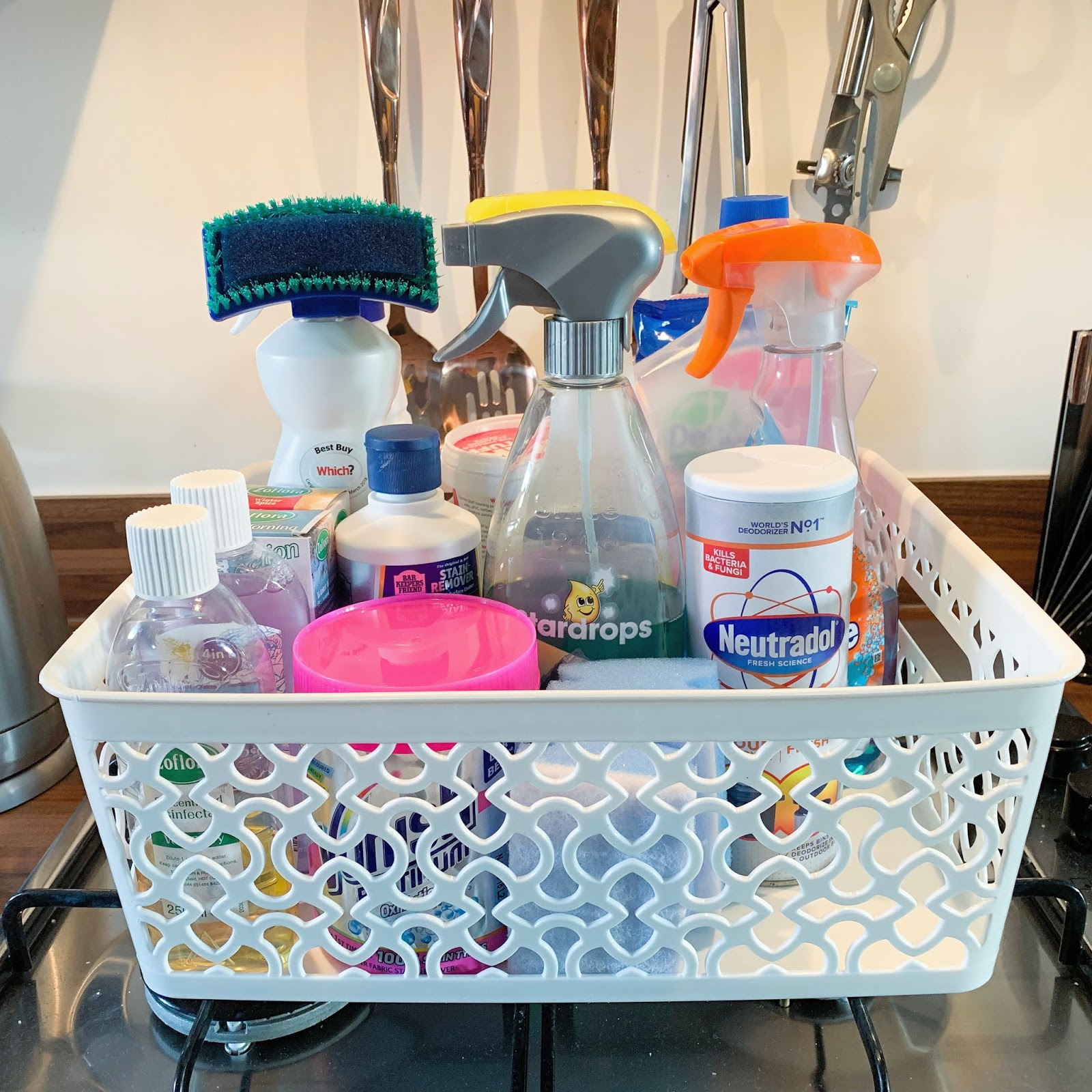 basket-of-cleaning-products