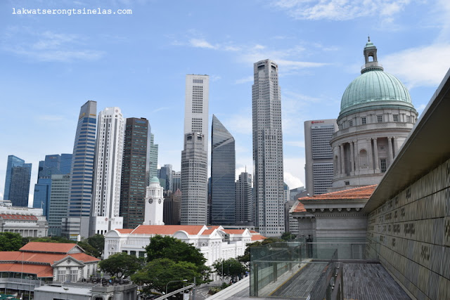 A VISUAL ARTS STROLL IN SINGAPORE