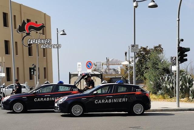 Siculiana, aggredisce carabinieri durante posto di blocco: arrestato