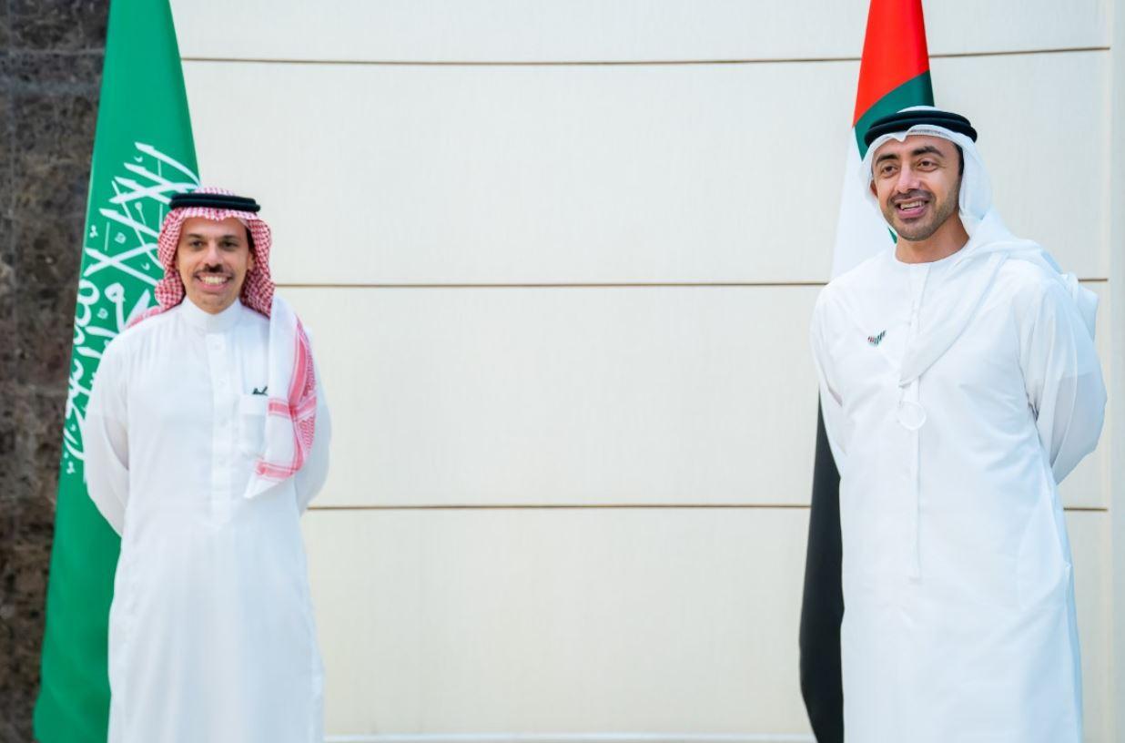 وزير الخارجية الإماراتي يستقبل نظيره السعودي
