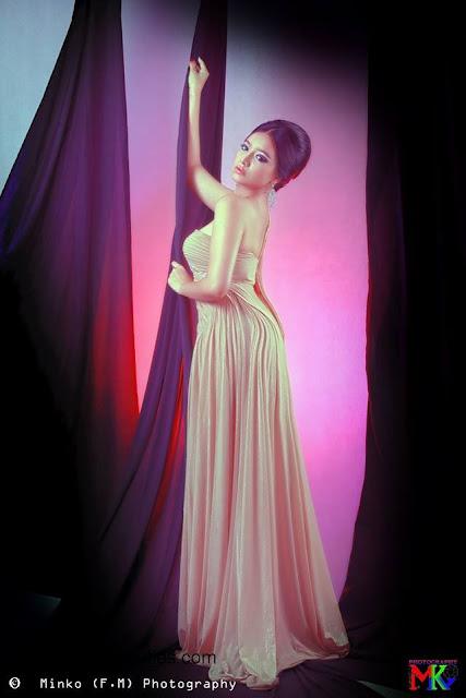 Su Myat Noe Kyaw indoor portrait photo