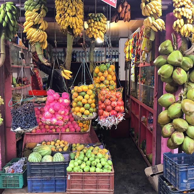 puesto de frutas en kerala india