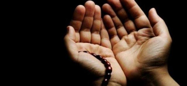 Tidak Perlu Mengangkat Tangan dalam Berdo'a Ketika Jum'atan, Benarkah?
