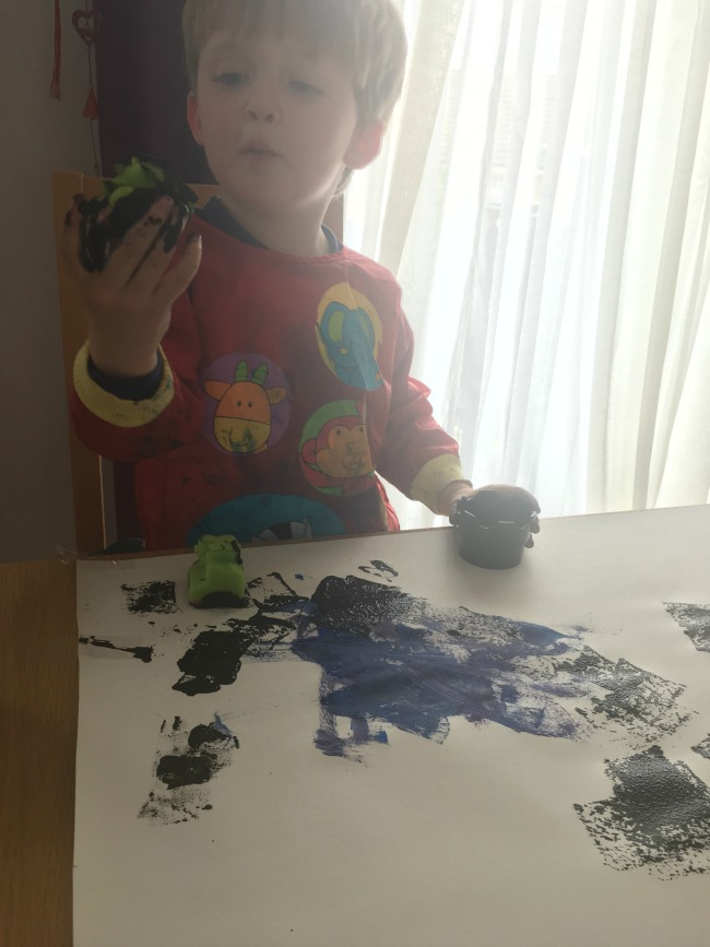 toddler-painting