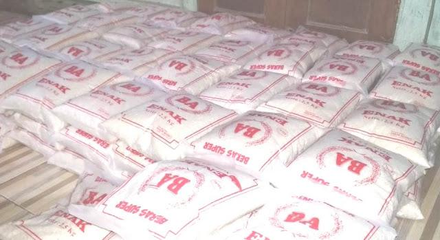 mencari donasi sedekah bentuk beras puluhan ribu