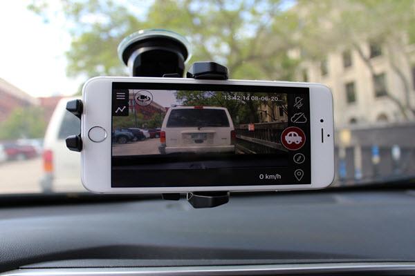 كيفية تحويل هاتف الاندرويد القديم الخاص بك إلى Dashcam لسيارتك