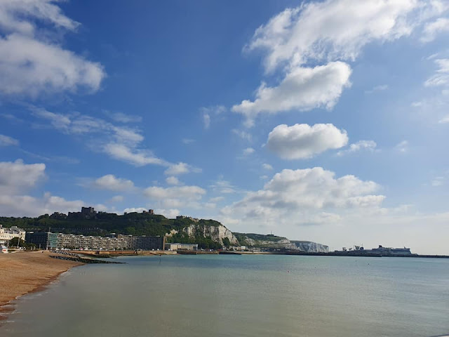 dover-seafront-view-castle