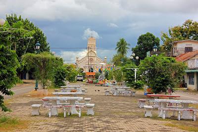 Plaza de la Iglesia de Santa Teresa (Savannakhet, Laos)