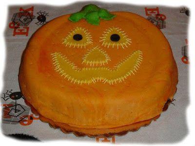 Torta de halloween con forma de calabaza