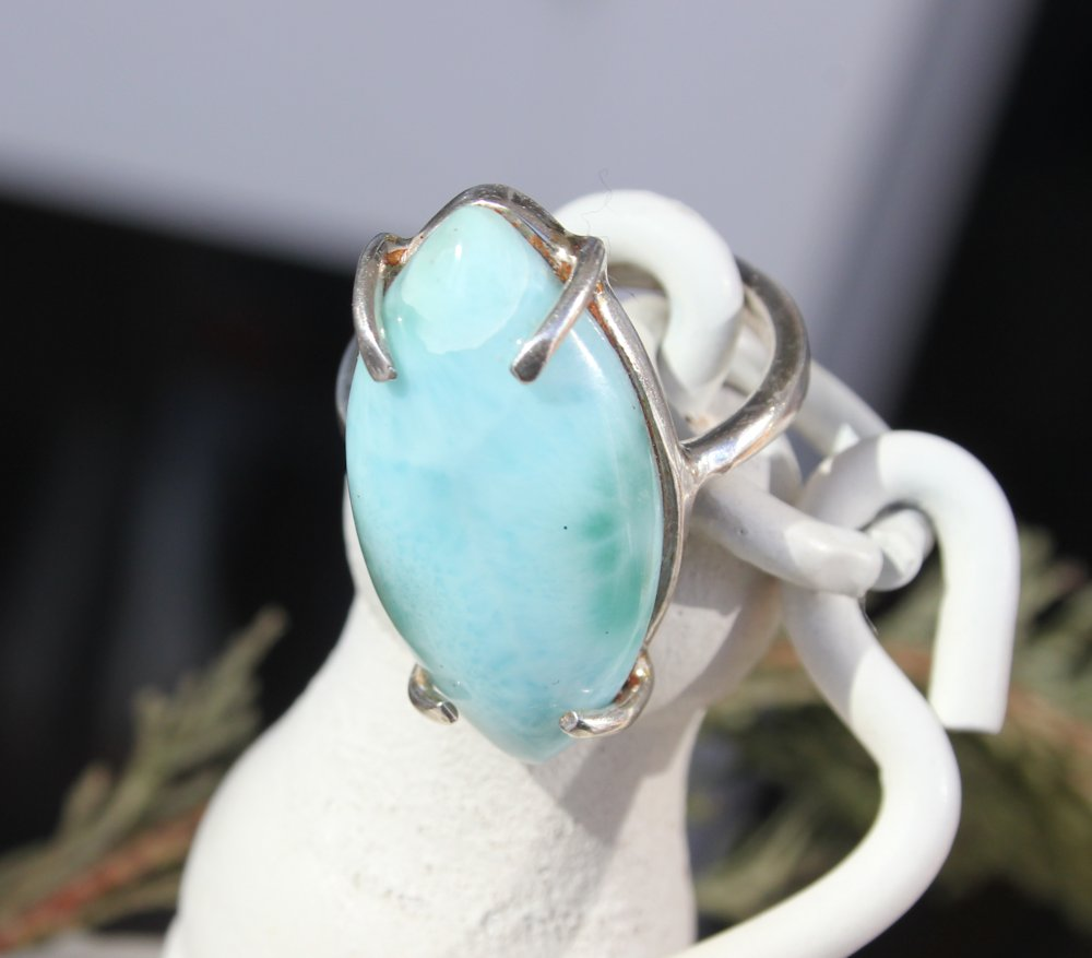 LARIMAR TURQUOISE GEM FROM DOMINICAN REPUBLIC