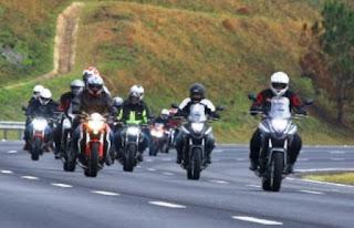 Evento de motociclistas em Itaetê