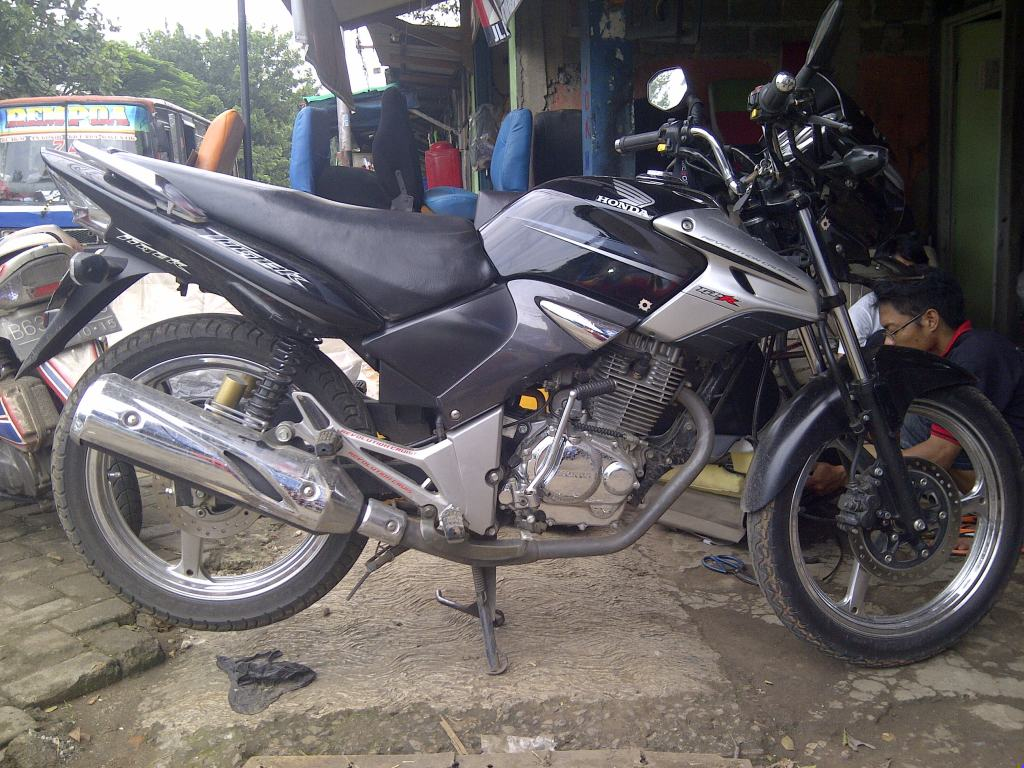 Modifikasi Motor Revo