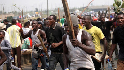 VIDEO: APC, PDP Youths Clash In Edo Amidst Elections #EdoDecides2020