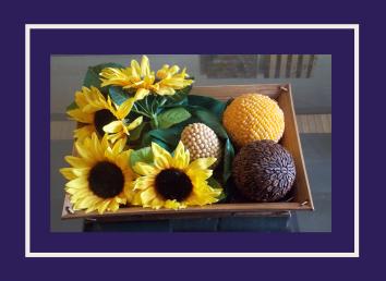Bolas con granos y semillas para decorar