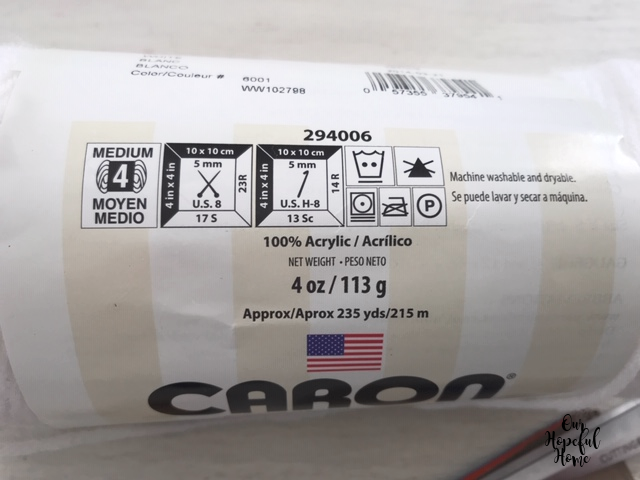 Caron 100% acrylic white yarn size 4
