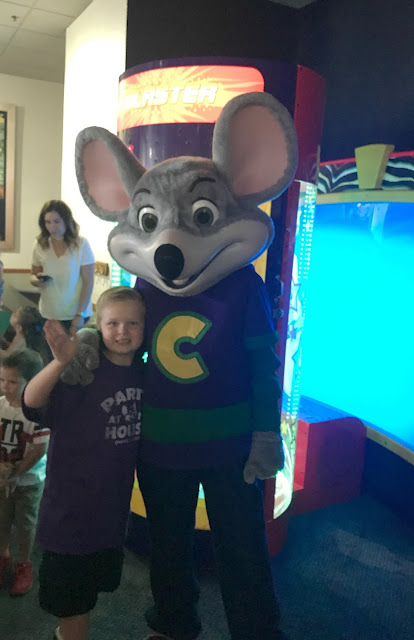 Birthday Party Fun At Chuck E. Cheese's, planning a birthday at Chuck E. Cheese, Chuck E. Cheese party, how to plan a chuck e. cheese birthday party