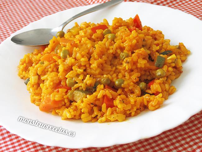 Paella de verduras o arroz con verduras