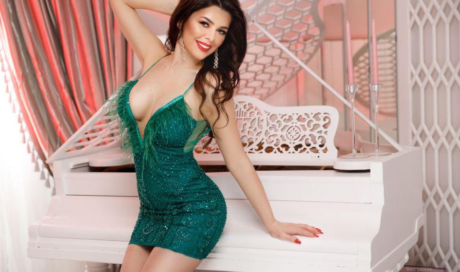 SophieJenkins Model GlamourCams