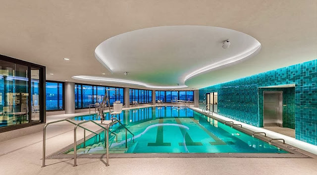Swimming Pools With Distinctive Designs In Most Beautiful Houses