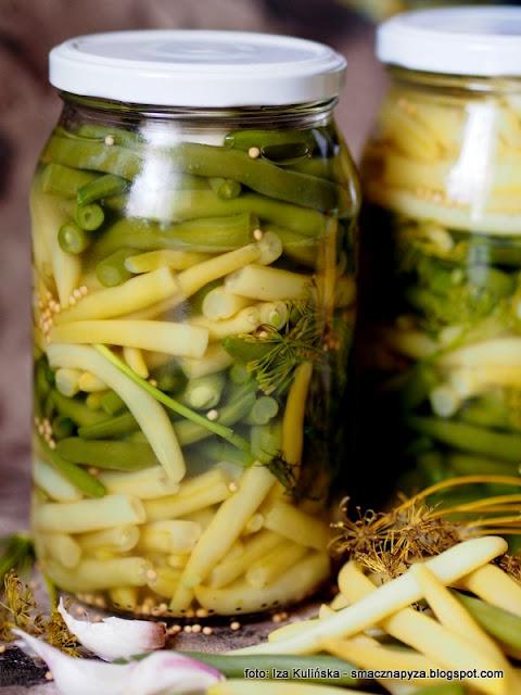 kiszona fasolka szparagowa, szparaga kiszona w sloikach, kiszonki, kiszone warzywa, szparagowka kiszona, fermentacja