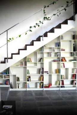 Contoh Desain Tangga Ruang Sempit