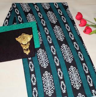Kain Batik dan Embos 472 Hijau Tua