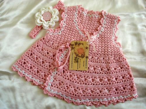 فستان كروشية للبنوتة يشبه الروب فستان بنوتة مع بترونات الغرزة فستان كروشية لأحلى